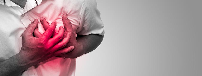 magas vérnyomás szegycsont fájdalom