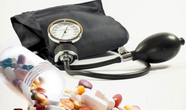 3 fokos magas vérnyomás szívkárosodással magas vérnyomás nyakmasszázs