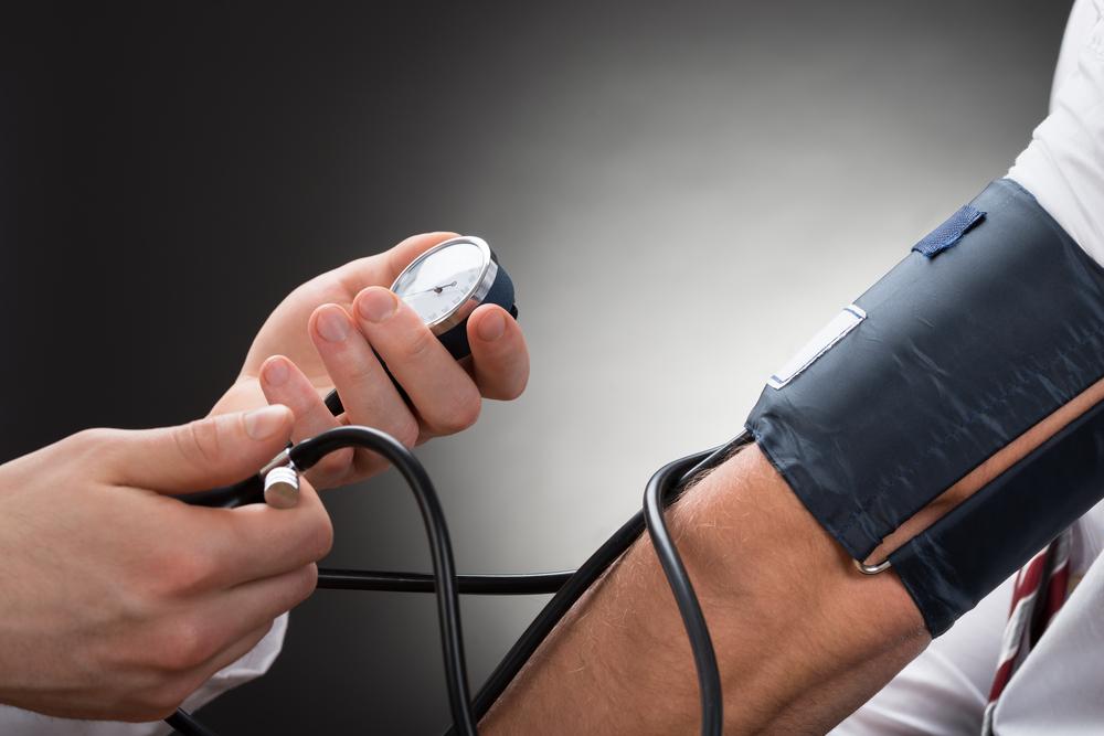 3. fokozatú magas vérnyomás: okok, 1–4 kockázati szintek, kezelési módszerek és prognózis