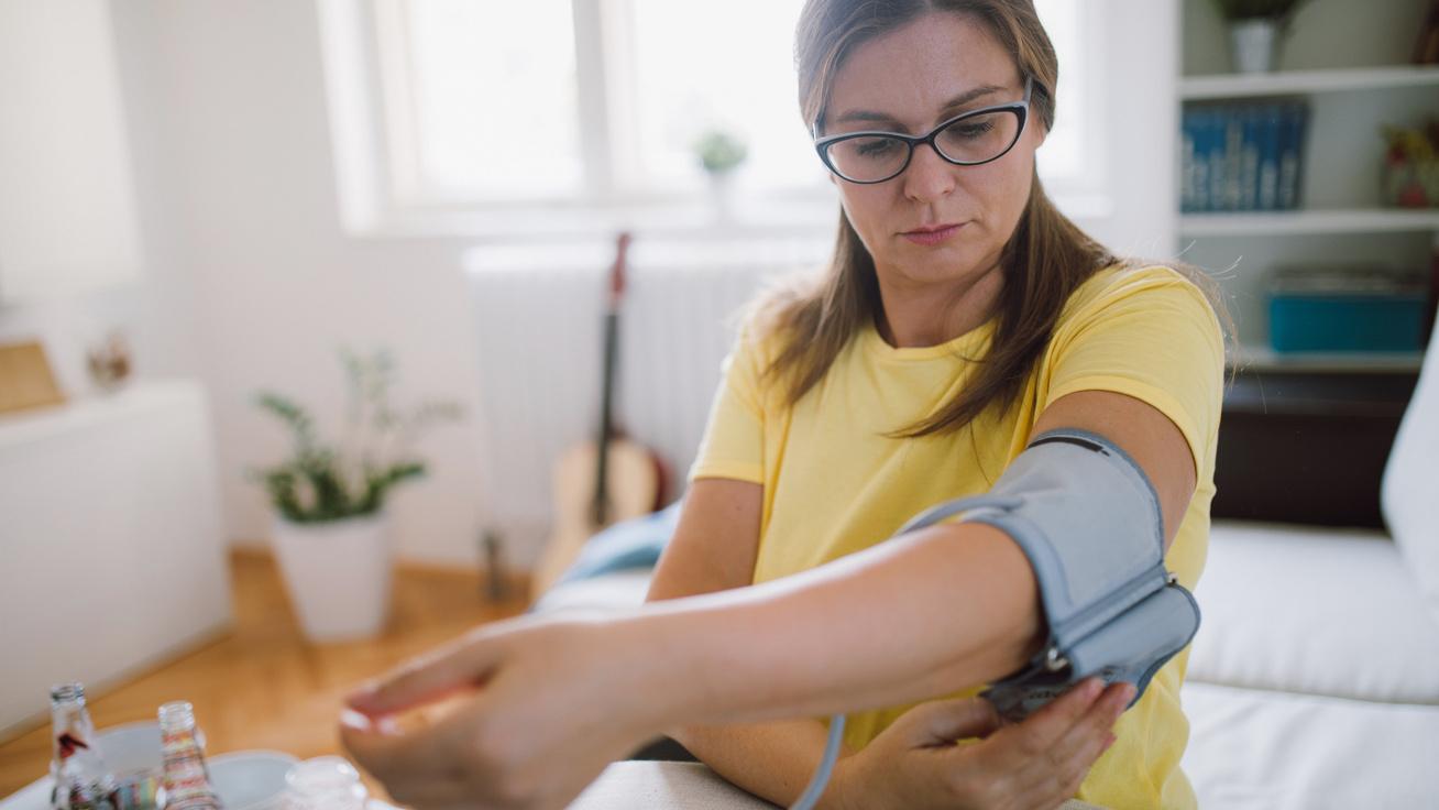 szorongástól származó magas vérnyomás magas vérnyomás okainak és tüneteinek kezelése