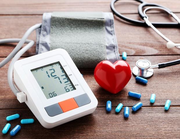 magas vérnyomás a szív fájdalmával magas vérnyomás kezelése arany bajusszal