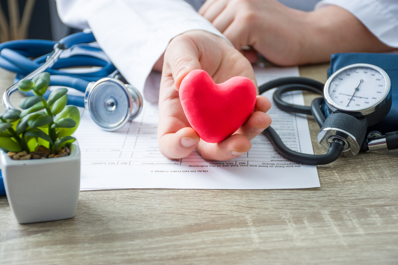 meddig élnek 3 fokú magas vérnyomásban orrfolyás magas vérnyomástól
