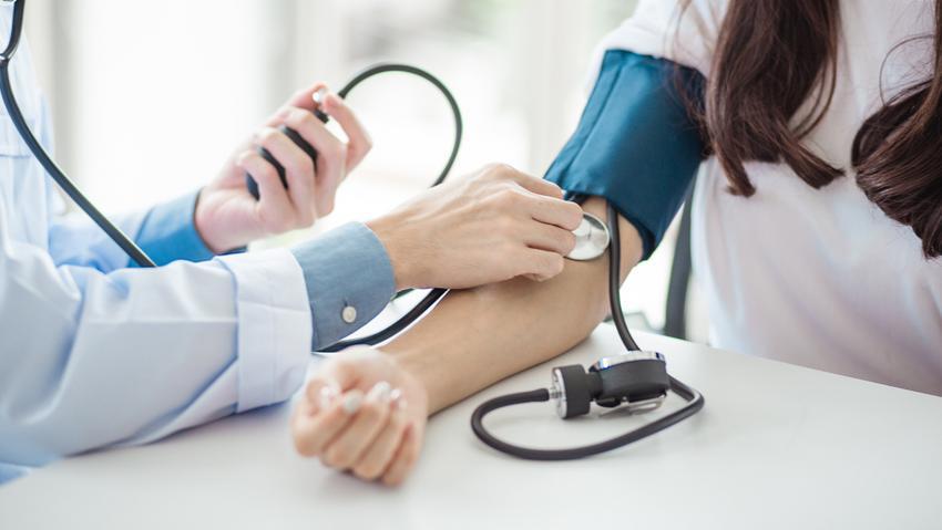Sympatho mellékvese-krízis tünetek kezelése