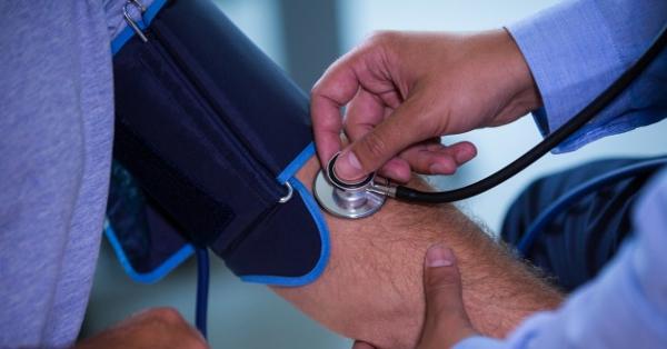 tüske a magas vérnyomásból orvos godov a magas vérnyomásról