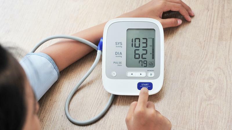 magas vérnyomásban szenvedő perinevának